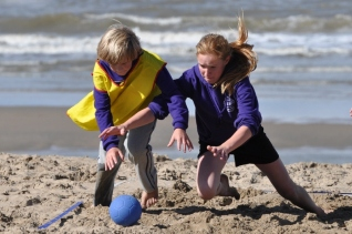 beachhandbaltoernooi september 2012 119 (800x531)